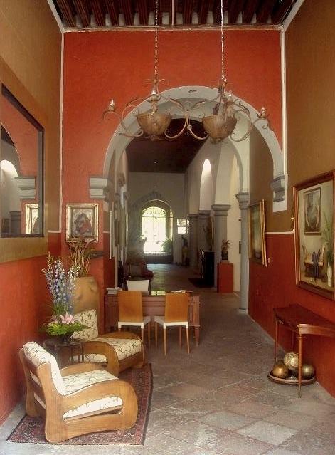 Queretaro hotels accommodations boutique budget for Atrio dentro casa